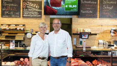 Die Fleischerei Butz ist für ihre Top-Qualität über die Grenzen Oberösterreichs bekannt. Um noch mehr Zeit für das Fleischerhandwerk und ihren Familienbetrieb zu haben, sind Doris und Martin Butz eine erfolgreiche Partnerschaft mit gourmetfein eingegangen. (© Gourmetfein)