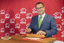 Peter Hauk MdL, Minister für Ernährung, Ländlichen Raum und Verbraucherschutz eröffnet beim Wurstanschnitt die 25. SÜFFA.